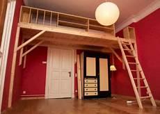 Jugendzimmer Selber Bauen - hochbett mit leiter aus fichtenholz hochbett bett und