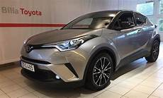 toyota c hr 1 8 hybride 122 edition s 229 ld toyota c hr 1 8 hybrid x edit begagnad 2018 700
