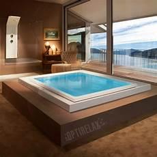 badezimmer mit whirlpool whirlpool im wohnzimmer optirelax 174