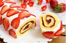 dolce con le fragole fatto in casa da benedetta rotolo soffice alle fragole fatto in casa da benedetta rossi ricetta nel 2020 idee