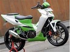 Modif Revo 100cc 2007 by Galeri Modifikasi Honda Revo 100cc Oto Trendz
