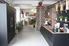 küche schwarz matt nobilia musterk 252 che k 252 che 2 laminatlack schwarz matt