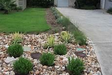 vorgarten steingarten anlegen rock oak deer driveway landscaping completed