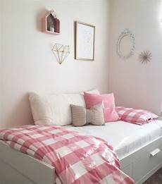 Ikea Schlafzimmer Rosa - ikea day bed bed with storage and gingham bedding