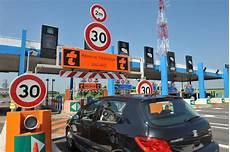 bip and go parking bip go veut simplifier le p 233 age les voitures ne s