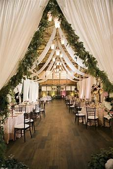 25 sweet and romantic rustic barn wedding decoration ideas elegantweddinginvites com blog