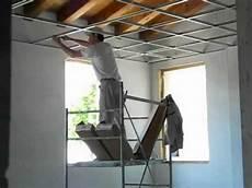 struttura cartongesso soffitto posa struttura per il controsoffitto in fibra