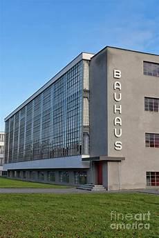 bauhaus school by walter gropius in dessau germany