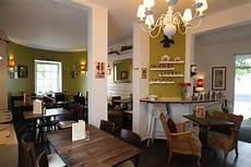 amelies wohnzimmer cafe am 233 lie s wohnzimmer frankfurt sachsenhausen lokalino
