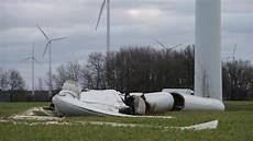 windkraft t 220 v sieht in den anlagen tickende zeitbomben