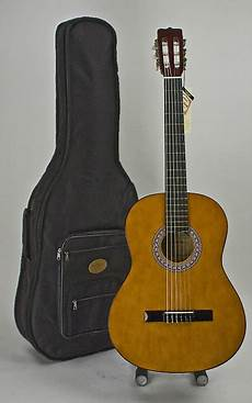 Size Acoustic Classical Guitar With Stay In Tune