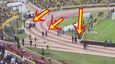 simuler un malaise une du foot mondial poursuivi par la en plein match