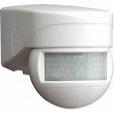 eclairage exterieur avec radar senzor pohybov 253 180 176 ip54 pir no biela luxomat 174 lc