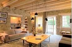 Salon Cosy Poutres Mur En Et Sol Mieszkanie
