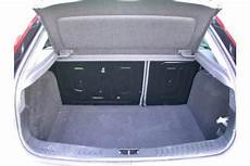 ford kuga kofferraum maße adac auto test ford focus 1 6 ti vct titanium