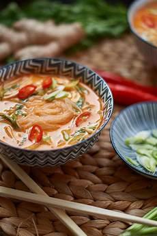 pak choi rezept thai rote thai curry suppe mit h 228 hnchen und pak choi caro in