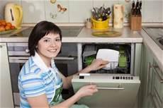 utilisation lave vaisselle comment utiliser un lave vaisselle mode d emploi lave vaisselle guide electromenager
