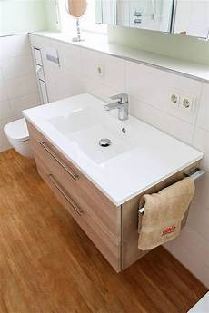 badezimmer waschbecken waschtischplatte und unterschrank
