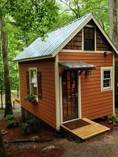 a small house the 180 sq ft otter den tiny house