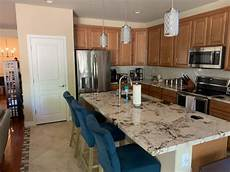 kitchen paint color to compliment honey maple cabinets