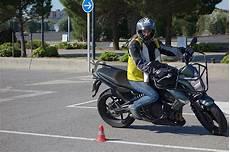 permis moto gros cube moto plein phare