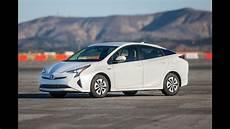 Toyota Prius 2018 Car Review