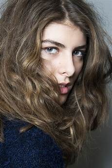 the owner s manual for naturally wavy hair stylecaster