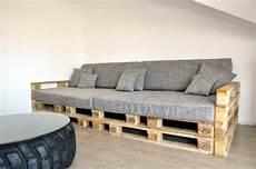 paletten sofa bauen europaletten bett ganz einfach selber bauen ausf 252 hrliche
