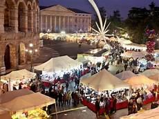 banchetti di natale banchetti di santa lucia in piazza bra a verona dal 10 al