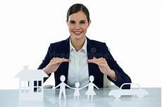 casa e affari donna di affari sorridente intervista candidato