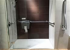 dusche behindertengerecht umbauen urteil zum behindertengerechten umbau einer dusche