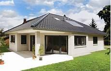 Kleinen Bungalow Bauen - bungalow mit ausgefallener terrassenvariante elbe haus