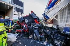 a31 unfall heute zwischen ludwigsburg und zuffenhausen verletzte nach