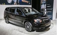 2013 chrysler town country s rolling into l a auto show