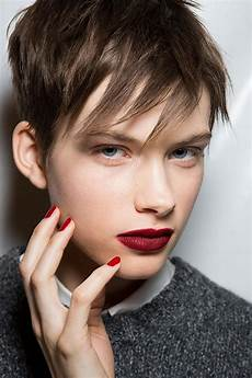 Pixie Cut Gesichtsform - how to choose the right pixie haircut for your shape