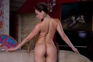 Tina Toma Nude