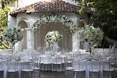 silver wedding ideas 12 ways to use silver in your d 233 cor inside weddings