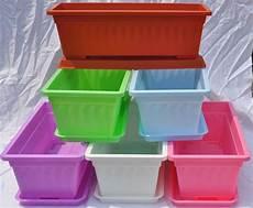 vasi in plastica colorati vasi e fioriere vasi da giardino contenitori piante