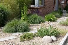 Kiesbeet Pflanzen Gestalten - ein kiesbeet anlegen gartenplanung und gartengestaltung