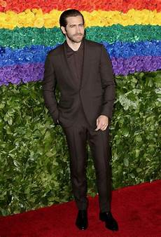 warna warni gaya di carpet tony awards 2019 com