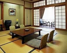 Interior Ruang Tamu Lesehan