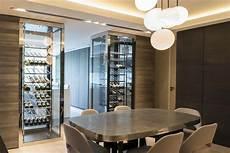 cave a vin en verre appartement c 2 caves 224 vin pour une s 233 paration cuisine