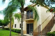 Apartment Search In Florida by Captiva Club Apartments 17692 Sw 107th Ave Miami Fl