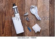elektronische zigarette isoliert auf einem wei 223 en