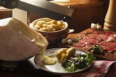 fromage pour raclette originale la raclette au fromage de savoie authentique et