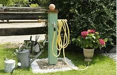 wasserzapfsäule selber bauen bau und anschluss einer wasserzapfs 228 ule im garten mit dem
