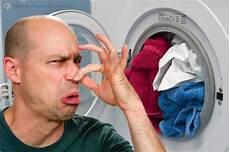 waschmaschine stinkt aus der trommel abdeckung ablauf dusche