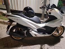Modifikasi Honda Pcx 2019 by Honda Pcx 150 Velg Emas Warungasep
