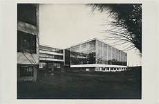 the bauhaus school in dessau designed by walted gropius