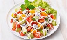 Resep Makanan Diet Sehat Salad Buah Saus Strawberry